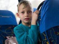 Jak wozić małe dzieci w autokarze?